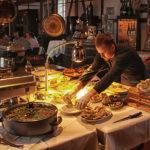 Im Lokschuppen werden die feinsten Delikatessen aufgetischt